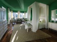 Луксозни спални с балдахин